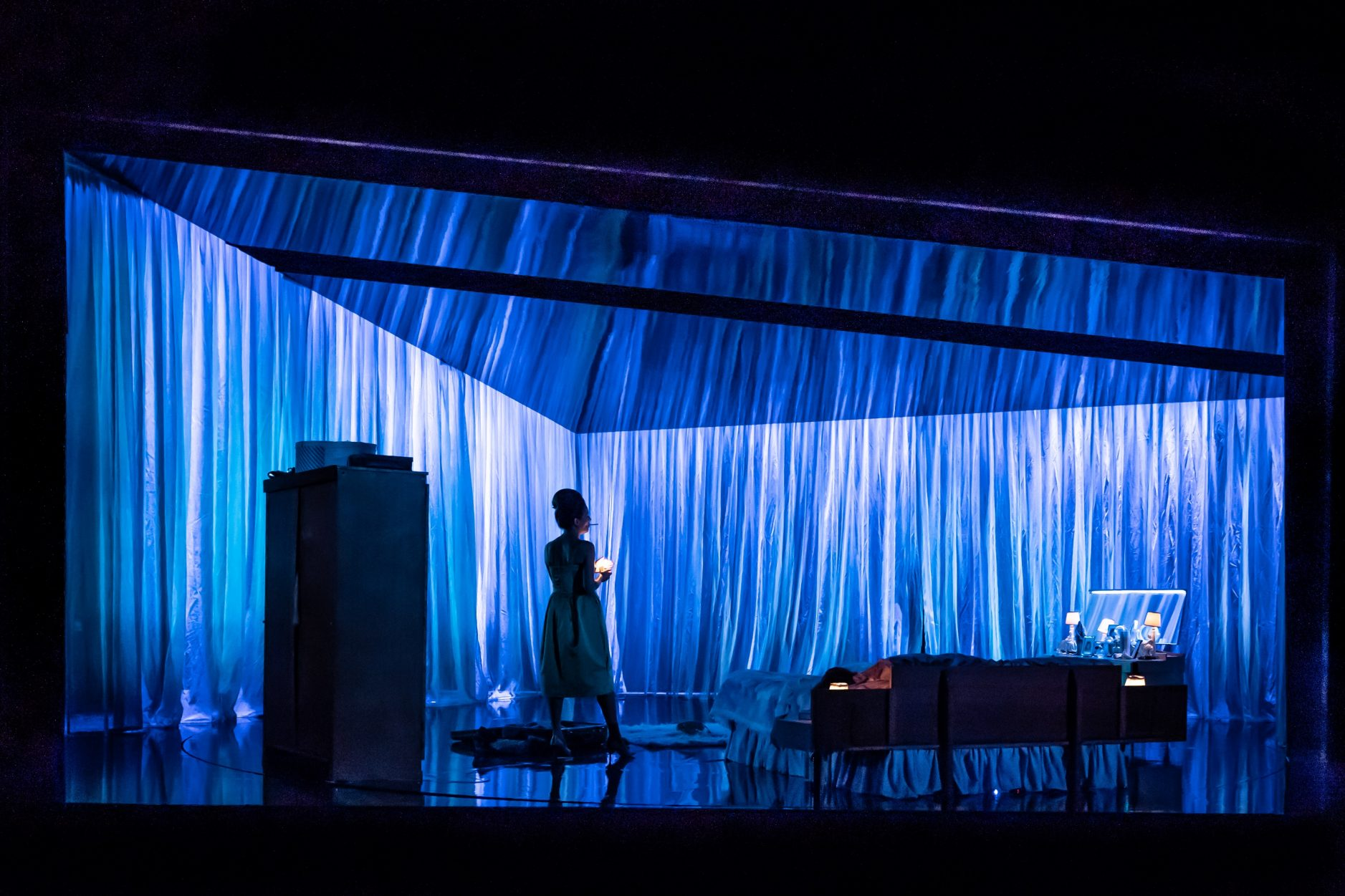 The Memory of Water at Nottingham Playhouse, photography by Marc Brenner