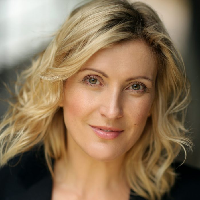Sara Poyzer