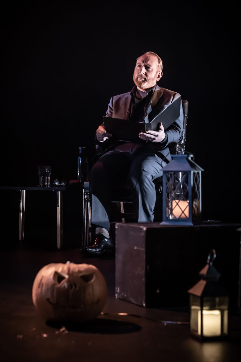 Ghost Stories with Adrian Scarborough. Photo Credit: Marc Brenner